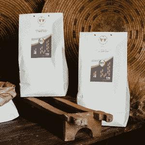 Selezione di Semola e Fior di Farina integrali Dorada di grano duro 100% sardo macinate a pietra in confezioni da 5kg